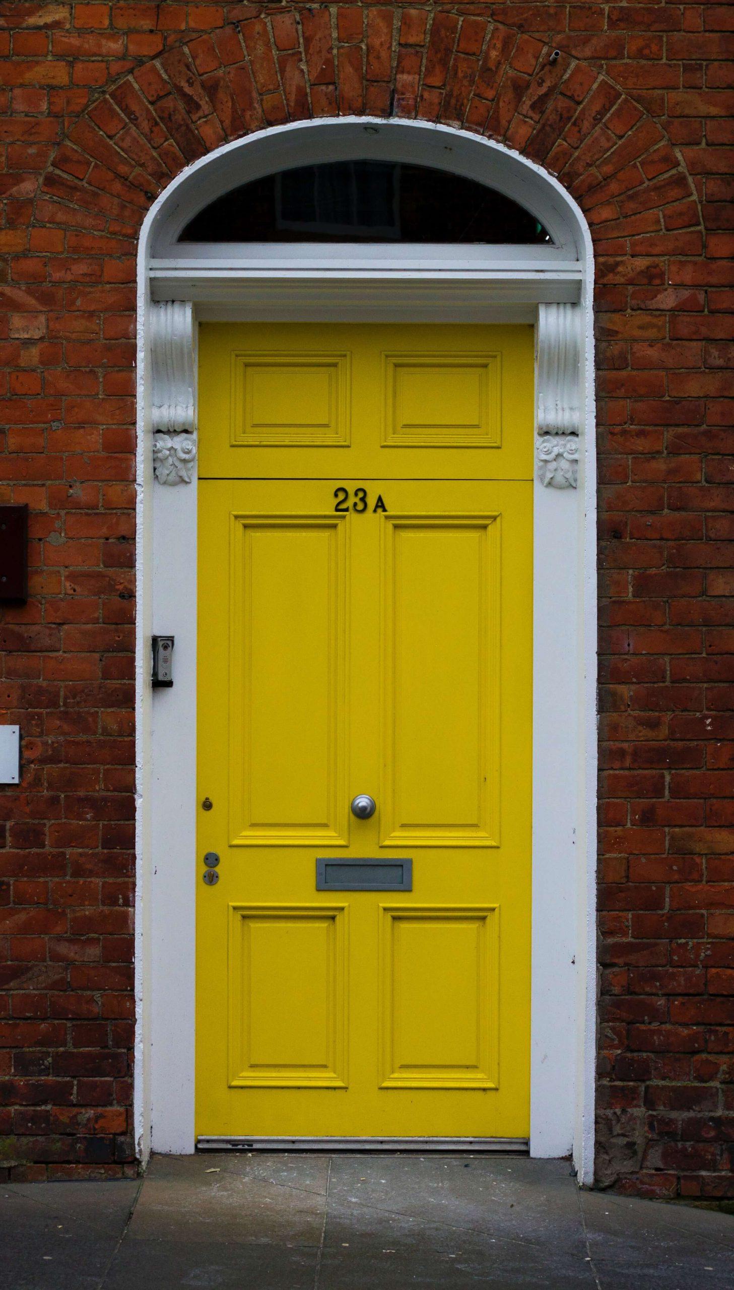 Jakie drzwi wewnętrzne wybrać do domu?